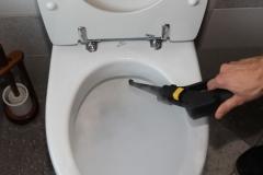 parownica Aida Baby myje toaletę