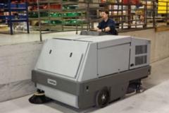 maszyna do mycia podłóg zamiatarko - szorowarka Nilfisk CR 1500_3