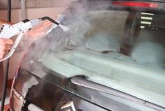 mycie parą samochodu
