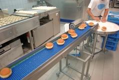 linia do produkcji pączków i system mycia przenośników