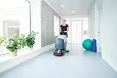 Nilfisk SC401 - mycie korytarza