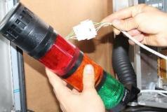 Steam Plant - lampka ostrzegawcza zintegrowana z synalizatorem akustycznym