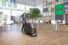maszyna czyszczaca viper AS5160 czyści restauracje
