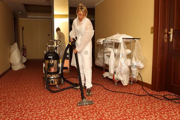 parownice czyszczenie dywanów w hotelu