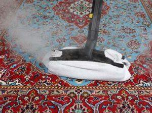 Usuwanie plam z dywanów i ubrań