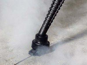 czyszczeie fug między płytkami myjką parową