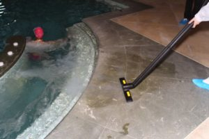 Profesjonalne myjki parowe do czyszczenia płytek łazienek, basenów i sauny (1)