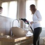 Jaka myjka parowa do mycia i czyszczenia płytek w łazience?