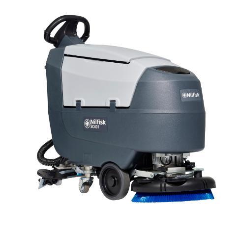Nilfisk SC 401 – maszyna bateryjna szorująco-zbierająca do podłóg (do 1720m2/h)