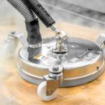 Czyszczenie kostki brukowej, mycie paneli i elewacjimyjką parową