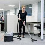 Jakie urządzenia czyszczące do sprzątania biura? [RANKING]